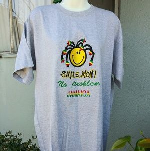 Other - Smile, Mon! T-Shirt Size Large